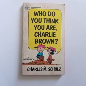 💚Who do you think you are Charlie Brown ? book